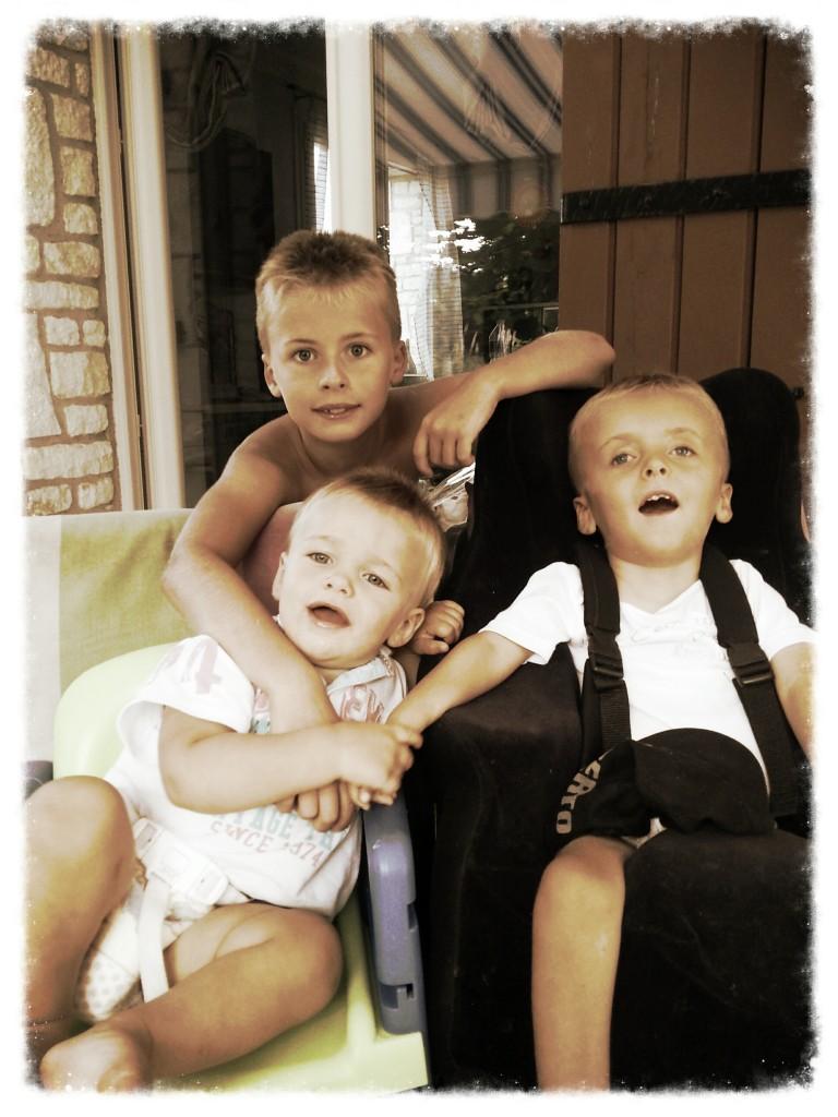 petit souvenir de cet été avec mes frères Hugo et Sacha